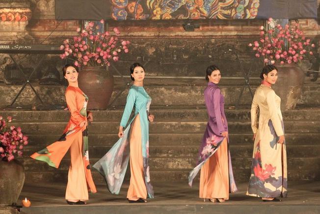Chương trình áo dài Festival Huế