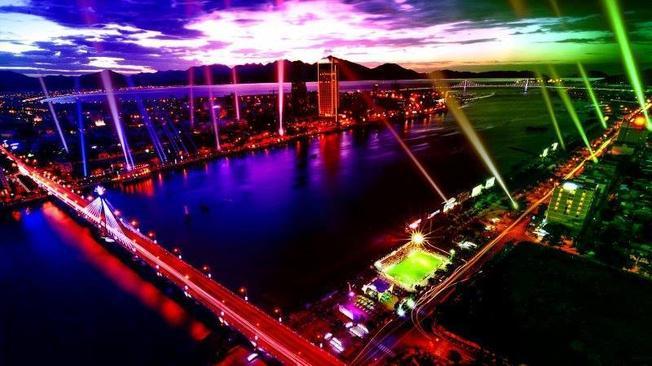 Lễ hội âm nhạc và ánh sáng Đà Nẵng