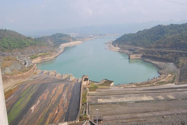 Đập thủy điện sông Đà
