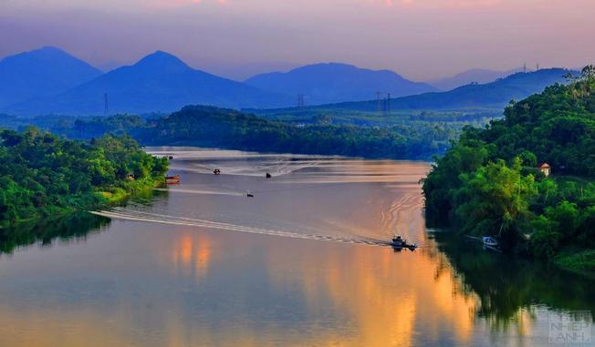Sông Hương mộng mơ