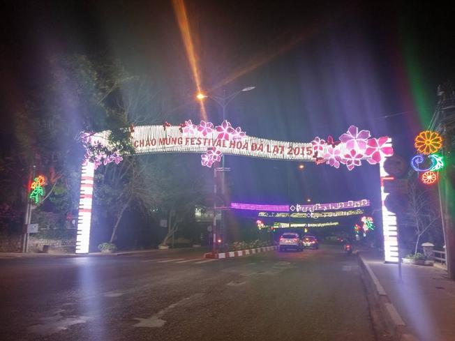 Đường phố Đà Lạt đang được trang hoàng để chào đón du khách