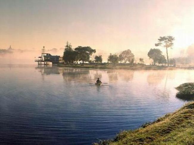 Hồ Than Thở là một trong những địa điểm đẹp ở Đà Lạt
