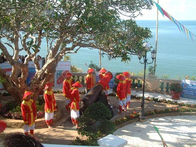 Lễ hội bắn súng Thần Công ở Vũng Tàu