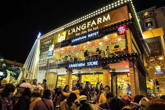 Muôn màu, muôn sắc ở khu mua sắm ở Đà Lạt L'ANGFARM
