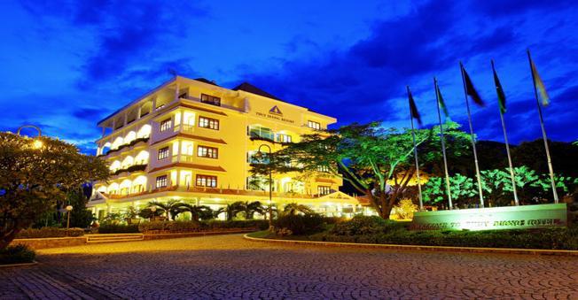 Vẻ đẹp lộng lẫy về đêm của Thùy Dương resort