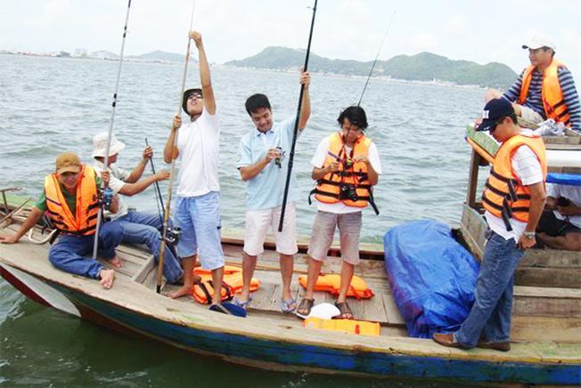 Giải trí câu cá tại hồ Mang Cá