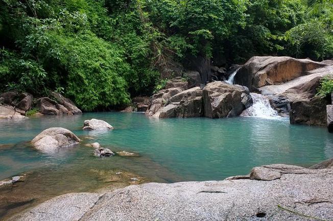 Khu du lịch Suối Tiên với những thác nước tuyệt đẹp