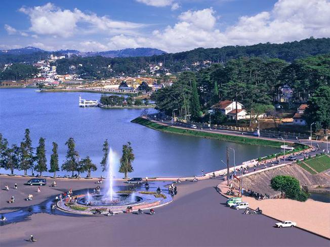 Thành phố Đà Lạt nhìn từ trên cao