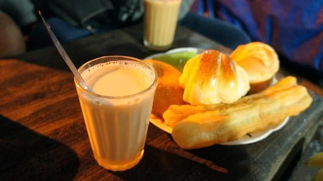 Sữa đậu nành và quẩy nóng – món ngon Đà Lạt