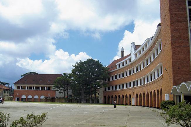 Trường Đại học Đà Lạt một trong các điểm tham quan tại Đà Lạt