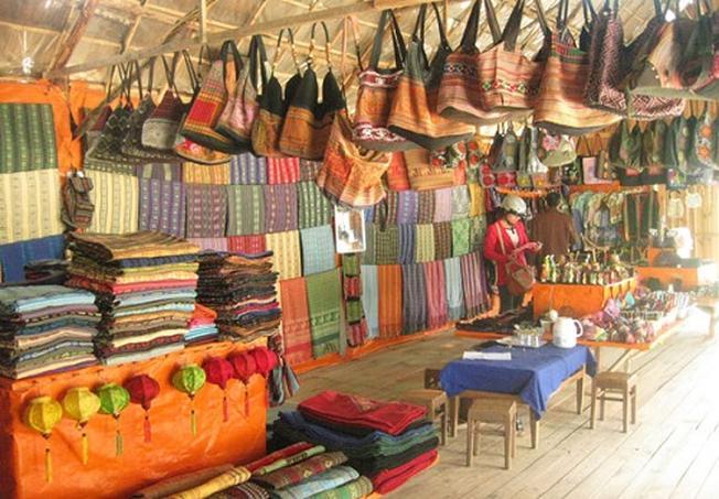 Nét cuốn hút của địa điểm du lịch - Làng dệt thổ cẩm B'nerC tại Đà ...