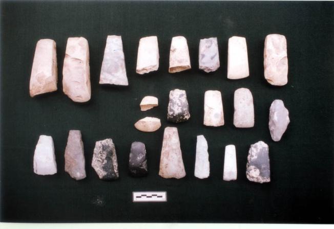 Các cổ vật được phát hiện ở di chỉ Gò Cây Me