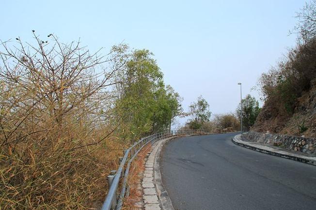 Con đường thơ mộng để lên đến ngọn hải đăng