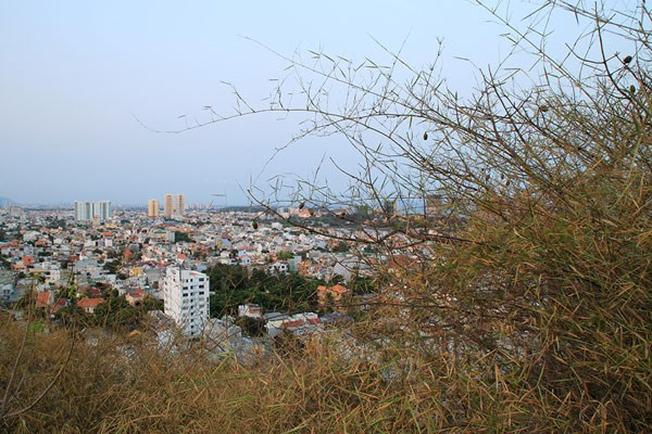 Từ ngọn hải đăng, du khách có thể nhìn toàn thành phố Vũng Tàu
