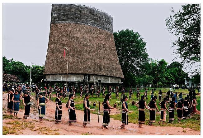 Điệu múa Xoang Tây Nguyên điệu múa của cộng đồng