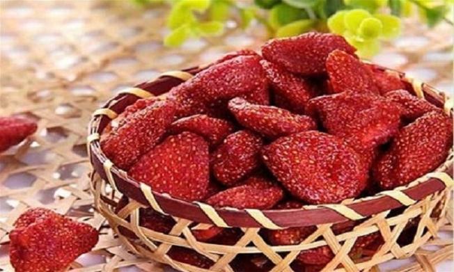 Mọi người luôn yêu thích những quả dâu đỏ mọng cũng như khi chúng được chế biến thành mứt
