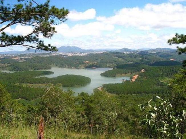 Khung cảnh tuyệt vời mà bạn sẽ được chiêm ngưỡng từ đỉnh Pinhatt