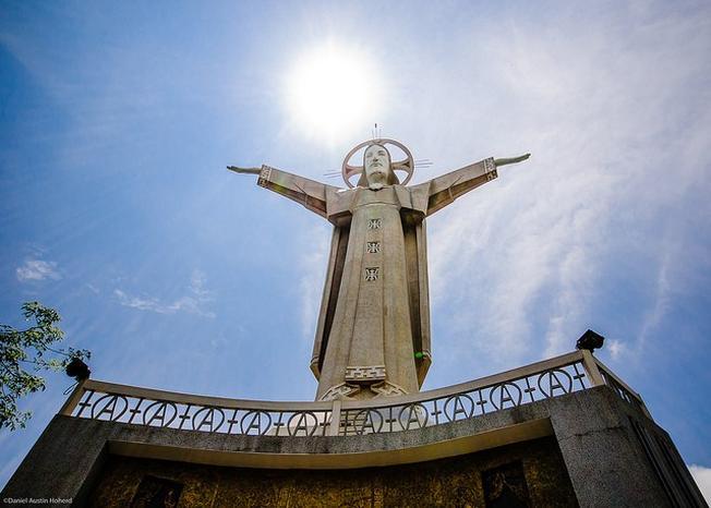 Tượng Chúa Kito địa điểm thăm quan Vũng Tàu thú vị cho nhiều du khách
