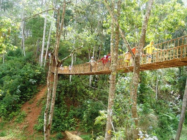 Cầu treo làng Cù Lần