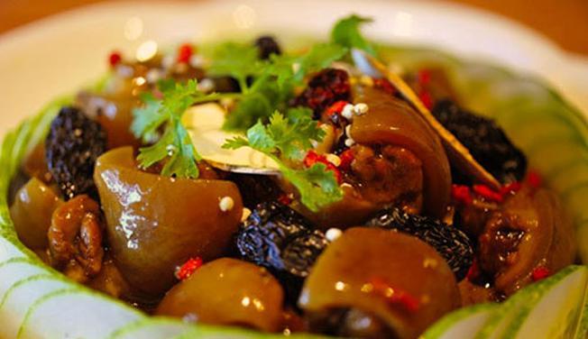 Món Lẩu Bò Tiềm Yersin