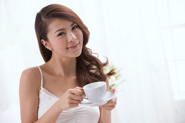 Trà hoa hồng tăng cường sức khỏe và đẹp da