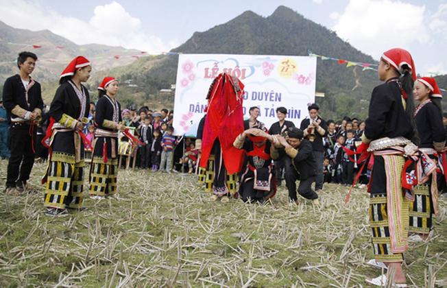 Lễ hội hát giao duyên