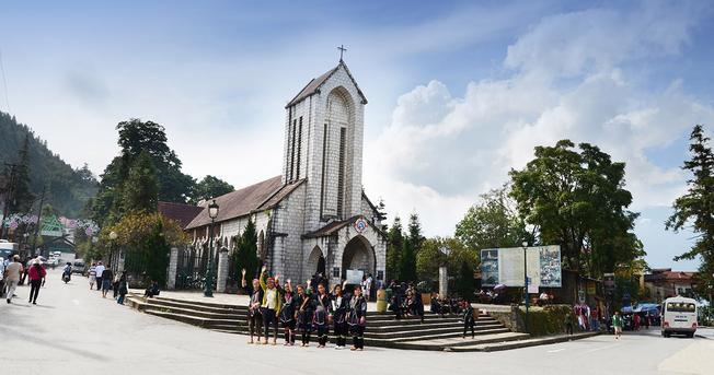 Nhà thờ cổ, biểu tượng du lịch giữa lòng thành phố Sa Pa