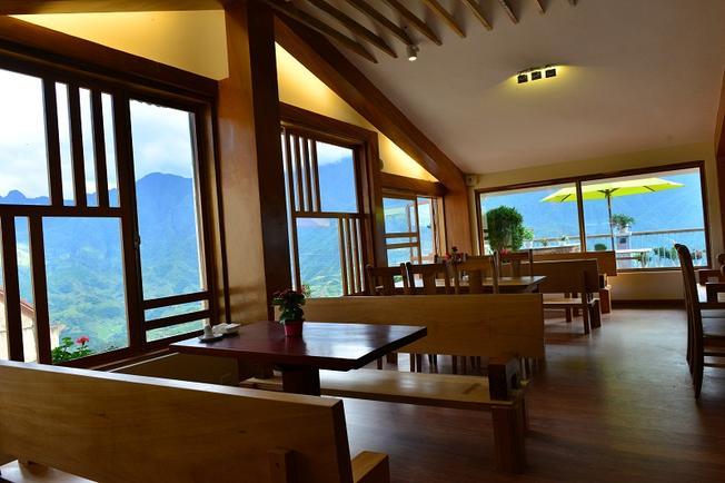 Khách sạn Sunny Mountain Sapa một trong những khách sạn Sa Pa có view tuyệt hảo