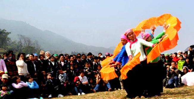 """Lễ hội """"Gióng Pooc""""  đặc trưng của dân tộc Giáy ở Sa Pa"""