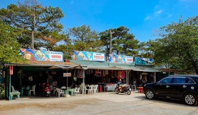 Một góc trong quán sữa chua phô mai ở Đà Lạt