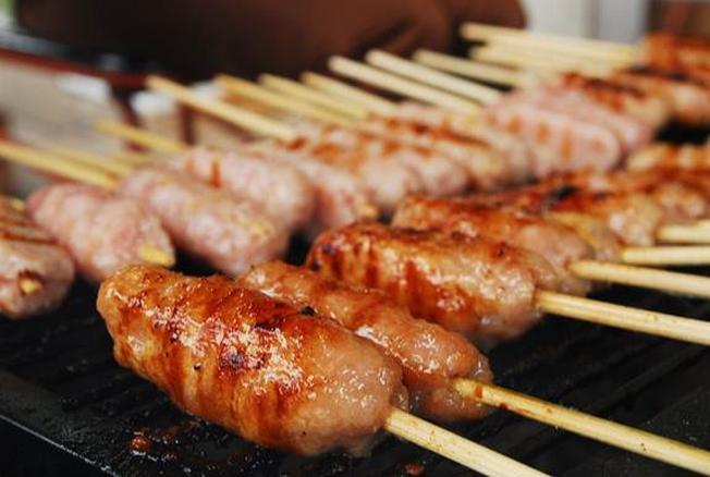 Nem nướng món ăn đặc sản Đà Lạt hấp dẫn mọi thực khách