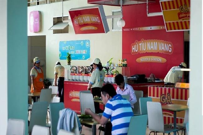 Chỗ ngồi thoáng mát tại trạm dừng chân Hưng Lộc