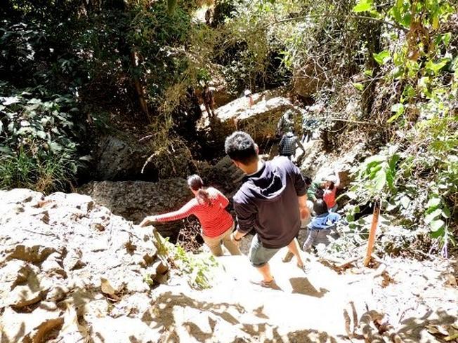 Cung đường dẫn đến chân thác