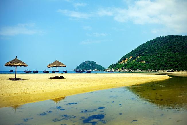 Đại Lãnh được mệnh danh là một trong những bãi biển đẹp nhất của miền Trung