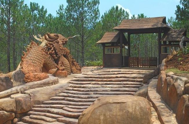 Đường hầm đất sét địa điểm thăm quan ở Đà Lạt đầy lý thú