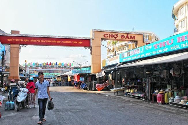 Chợ Đầm Nha Trang địa chỉ mua hải sản nổi tiếng