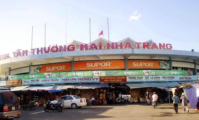 Trung tâm thương mại Nha Trang địa chỉ mua quần áo nổi tiếng