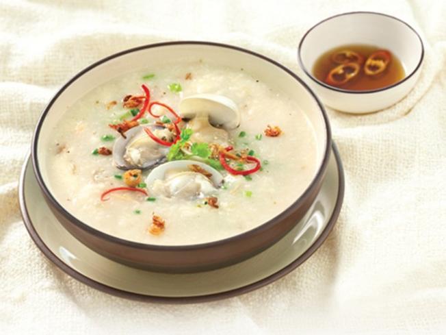 Cháo hào một trong những món đặc sản của hải sản Ngô Sĩ Liên