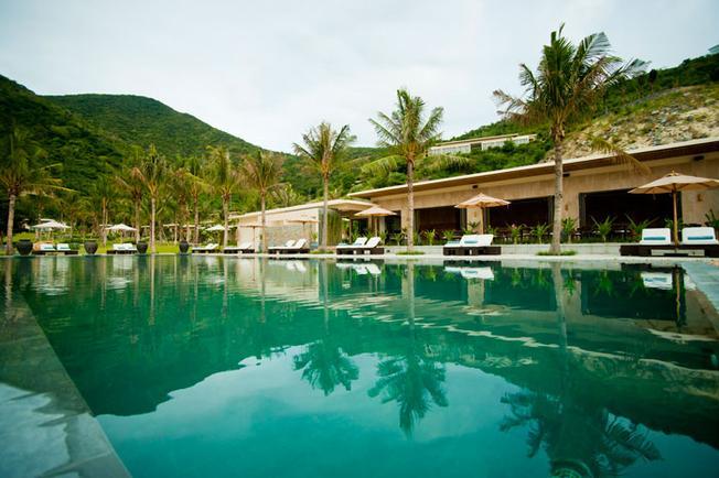 Khu nghỉ dưỡng Mia với hồ bơi tuyệt đẹp