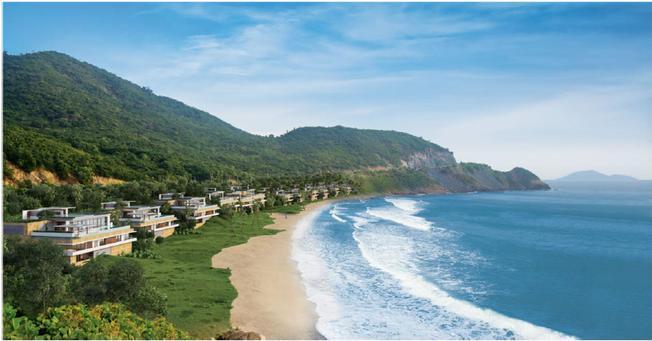 Toàn cảnh khu nghỉ dưỡng Mia Nha Trang với bờ biển xanh ôm ấp