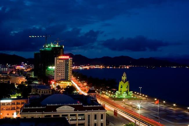 Cảnh đẹp Nha Trang mộng mơ từ đỉnh núi Phượng Hoàng xinh đẹp