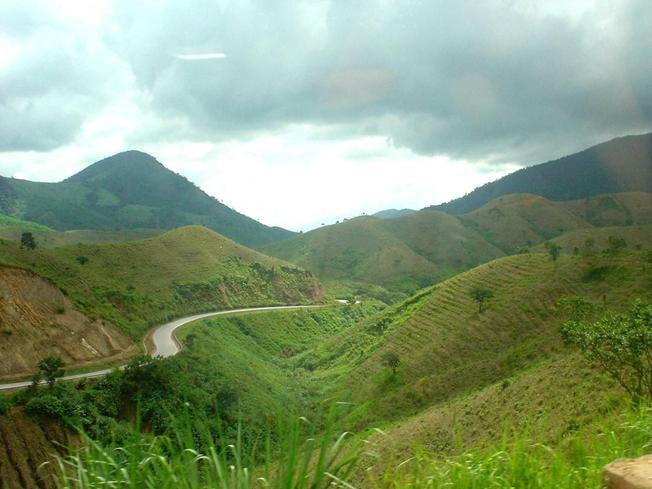 Những cảnh đẹp nha trang con đường ngoằn nghèo dẫn đến đỉnh núi Phượng Hoàng