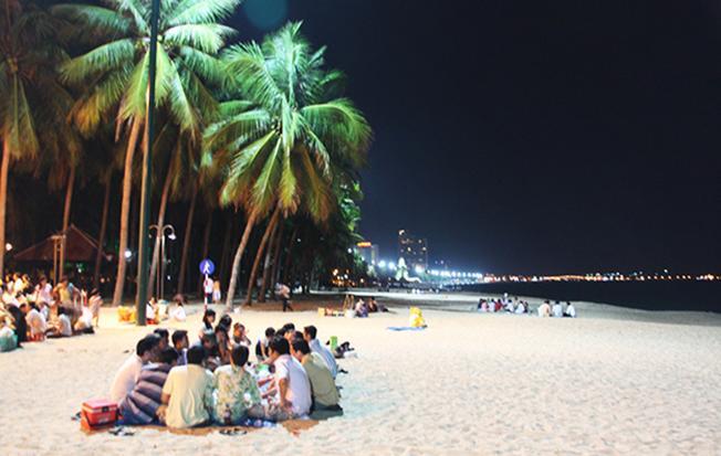 Khám phá biển đêm Nha Trang một trải nghiệm tuyệt vời