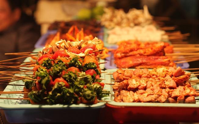 Đồ nướng hấp dẫn tại phố ẩm thực của Sa Pa