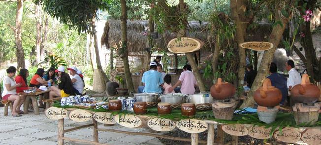 Khu ẩm thực Việt Nam