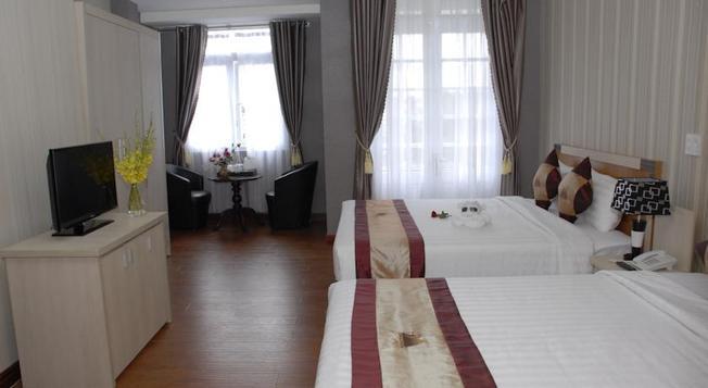 Phòng ngủ hiện đại của khách sạn Phố Núi
