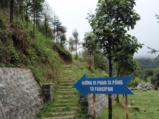 Điểm bắt đầu hành trình lên đỉnh Fansipan tại Trạm Tôn