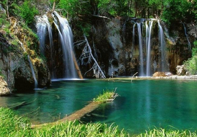Vẻ đẹp hùng vĩ của suối thác Cốc San