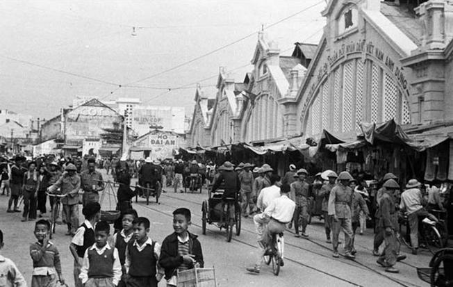 Chợ Đồng Xuân năm 1954