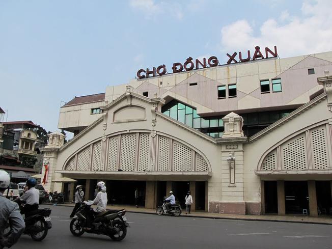 Mặt tiền chợ Đồng Xuân ngày nay